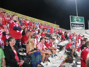 Stemningsbillede fra landsholdets kvalifikationskamp på Cypern i oktober 2011